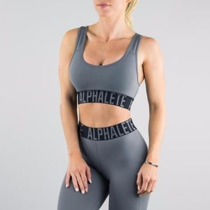 Alphalete l Racerback Criss Cross Sports Bra Gray